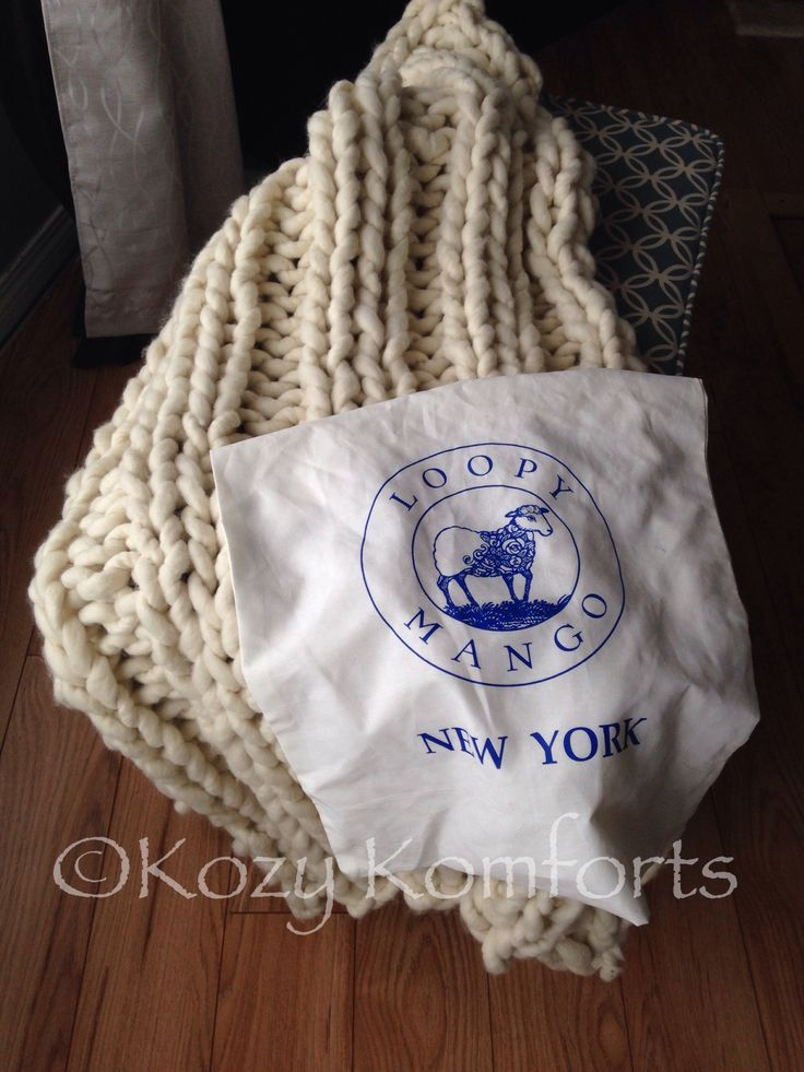 Loopy Mango Nantucket Throw made by Kozy Komforts #craftyab #kozykomforts #bigloopyarn