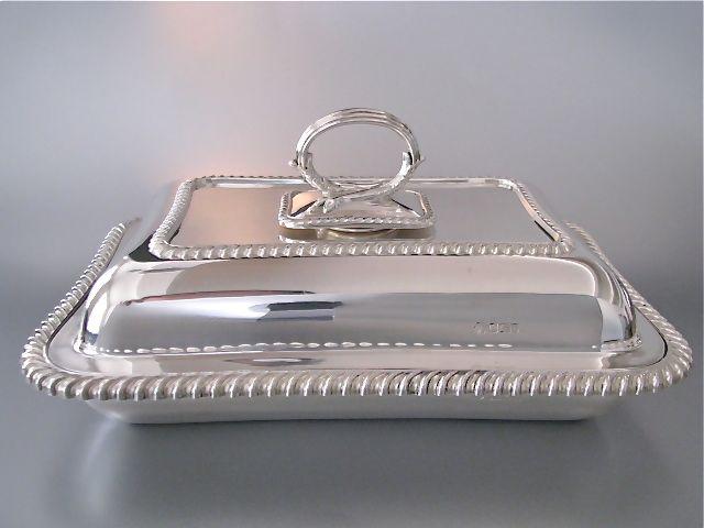 Fantastisch mooie antieke 1e gehalte zilveren dienschaal met deksel   Groot zilverwerk   Collectie   Antiek Zilver