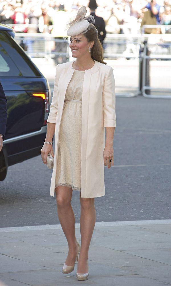 Vestidos para convidadas grávidas inspirados em Kate Middleton.