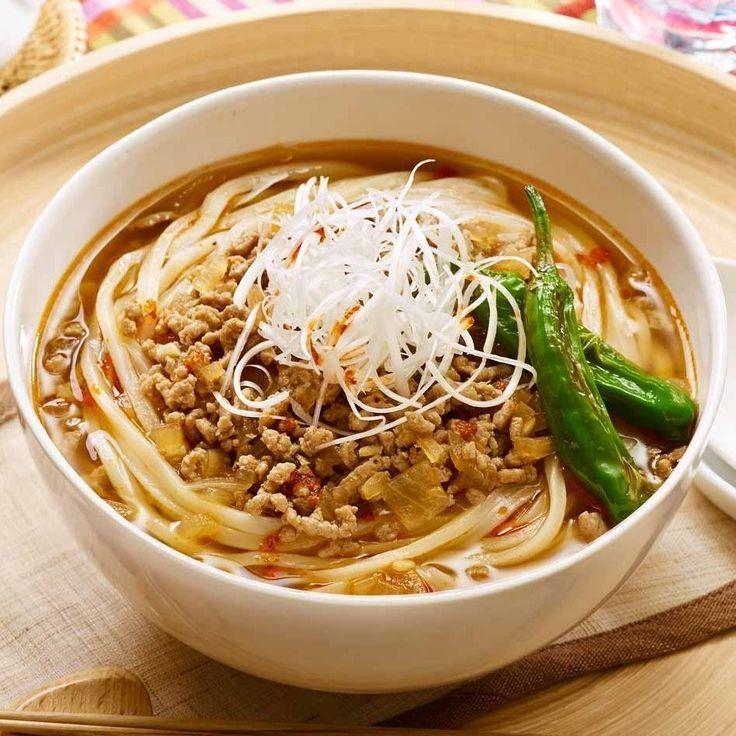 夏になると食べたくなる「ゴーヤチャンプル」。 うどんとも相性ばっちり。主食と野菜と肉をいっしょに食べて元気に! 暑いキッチンで料理するのがおっくうになるこれからの季節は レンジでチンできる冷凍うどんが便利です! ■豚肉とゴーヤのうどんチャンプル http://www.tablemark.co.jp/recipe/udon/detail/0009.html