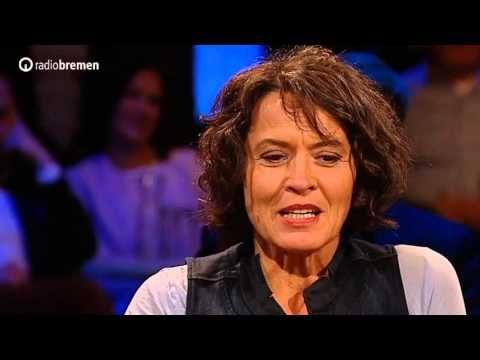 """Bei 3nach9: Ulrike Folkerts - Schauspielerin // Seit 26 Jahren ermittelt Ulrike Folkerts erfolgreich als Lena Odenthal im """"Tatort"""". Bei 3nach9 erzählte die beliebte Schauspielerin inwieweit die Rolle der Kommissarin ihr Leben als Schauspielerin geprägt und verändert hat."""
