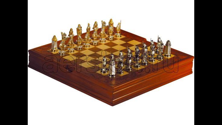 #Шахматы #ВОСТОК (#серебро) > http://www.aerston.ru/catalog/shakhmaty/ Шахматы являются авторским изделием. При изготовлении шахмат использовались материалы: #эбеновоедерево. Содержание драг.металлов: #Серебро925 - 675,13 гр., #Родий - 20 мкм, #Золото (999,9) - 1,2 мкм. Габаритные размеры: Размер доски: 338х335х70 мм, Размер фигур: 45,66 х 17 х 7,11 мм. Данное изделие укомплектовано подарочной коробкой из натуральных пород дерева. #Авторскаяработа #подарки #vip #вип #шахматыигракоролей
