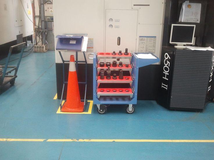 Carro para transportar herramientas CNC