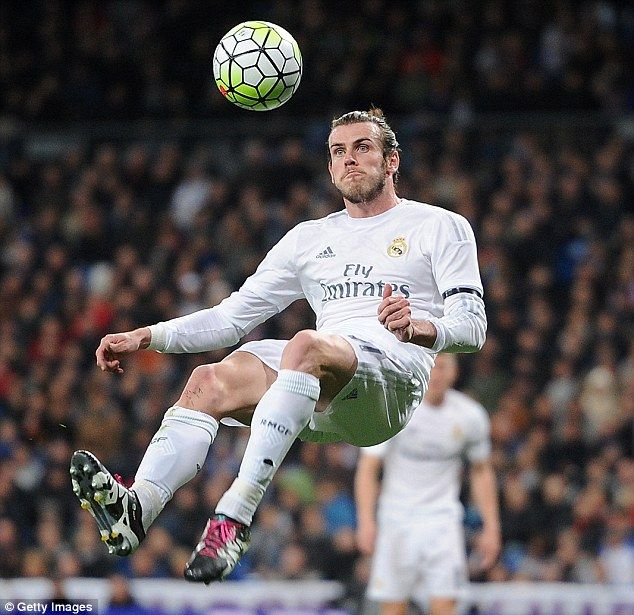 Ex-Real Madrid president Ramon Calderon has urged the club to tie down Gareth Bale for a 'long, long time'