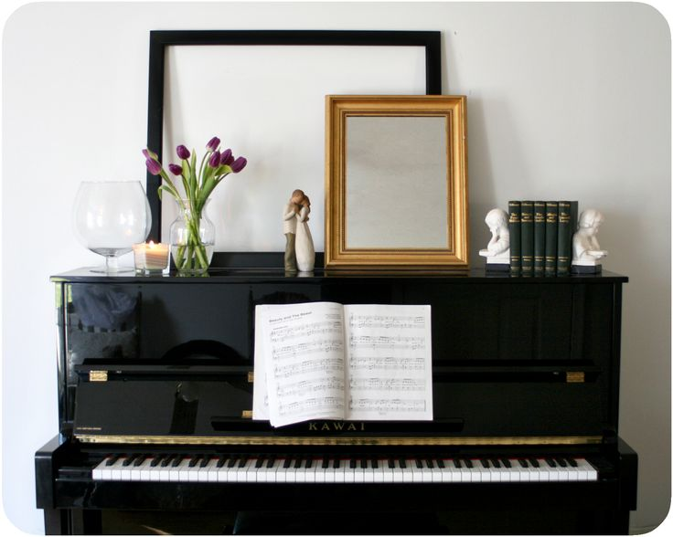 piano display vignette mantle home decorating ideas diy easy how to decorate