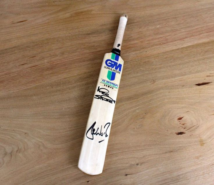 Signed Mini Cricket Bat - Shane Warne And Alec Stewart