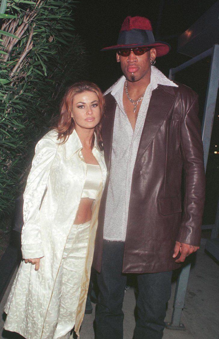 Pin for Later: Croyez Le ou Non, Ces Célébrités Ont Déjà Été Mariées  Carmen Electra et Dennis Rodman se sont mariés à Las Vegas en Novembre 1998, mais leur union n'aura duré que 9 jours.