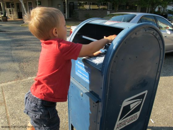 mailman e1347943692985 What is a Community Helper? {Preschool Theme}