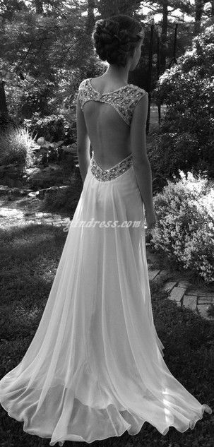 La robe dos nu. Élégante, ravissante...