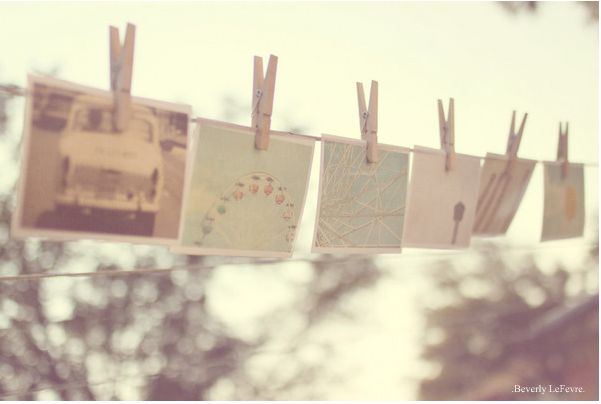 DIY: Clothespin photo display