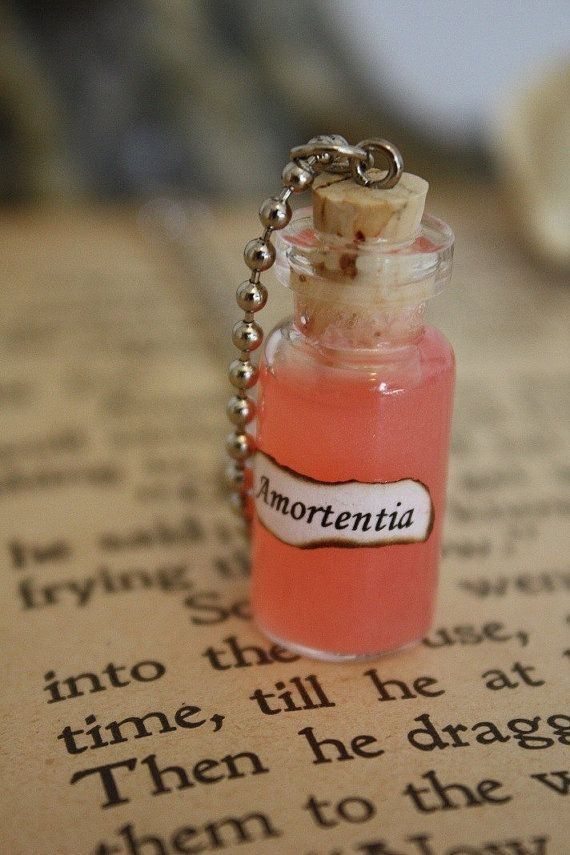 Hey, I found this really awesome Etsy listing at http://www.etsy.com/ru/listing/62470258/love-potion-vial-necklace-spell-bottle