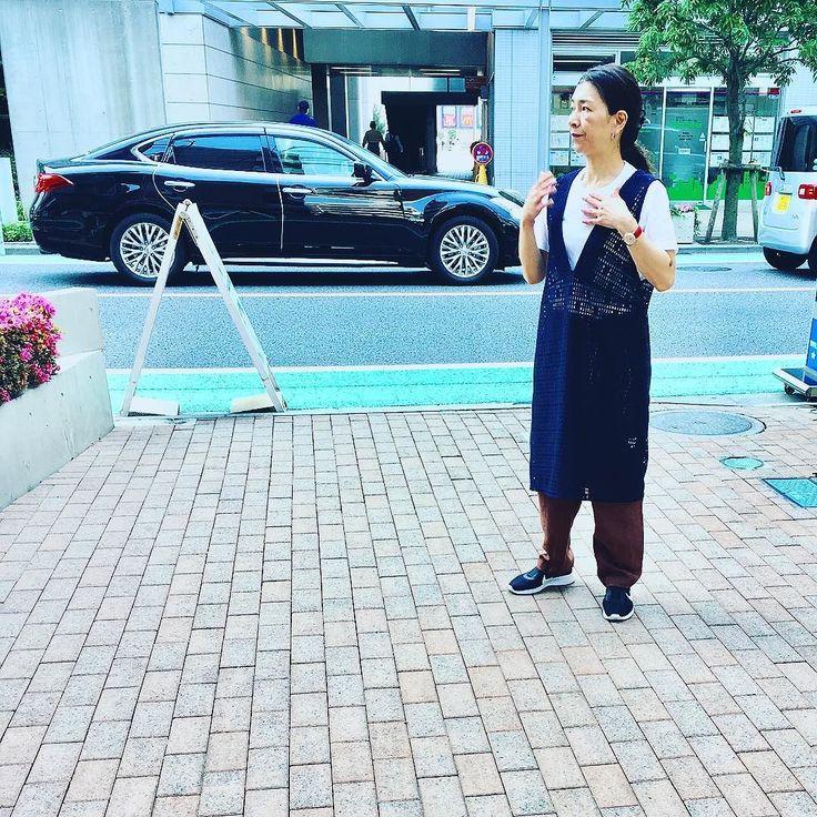 夏はいかに身軽にするか 年々エスカレートしていく東京の夏 [レザーでも着よっかなぁ] 本日営業しております  #アラフォー #アラフォーコーデ #アラフィフ #アラフィフコーデ #アーバンチックス #今日のコーディネート #東京 #国領 #調布市 #ニットブランド #2017春夏 #2017ssfashion #2017summer #2017fashion #knitwear #urbanchics #tokyo #japan
