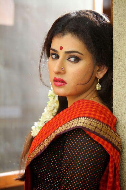Navel has?if saree doubt below hot