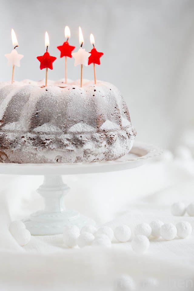 Christmas bundt cake with roasted marzipan | insimoneskitchen.com