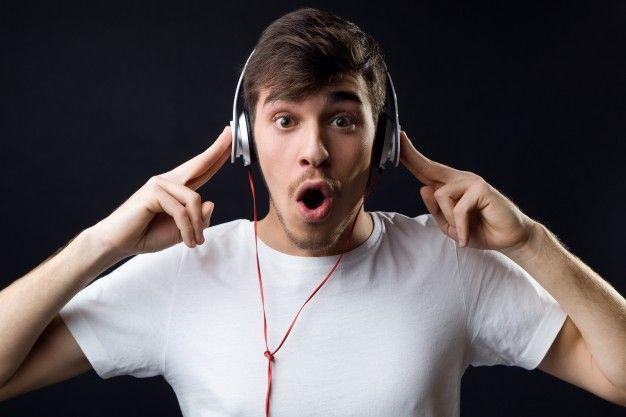 La música es el arte de mayor cantidad de aficionados, esta se ha convertido parte de nosotros. Muchos somos los que disfrutamos de ella en el día a día. Lo hacemos mientras vamos conduciendo, cuando ejercitamos nuestro cuerpo haciendo deporte, haciendo las tareas de la casa, incluso para dormir. El avance de las tecnologías nos-> Continue reading  Mejores aplicaciones para escuchar música en 2017
