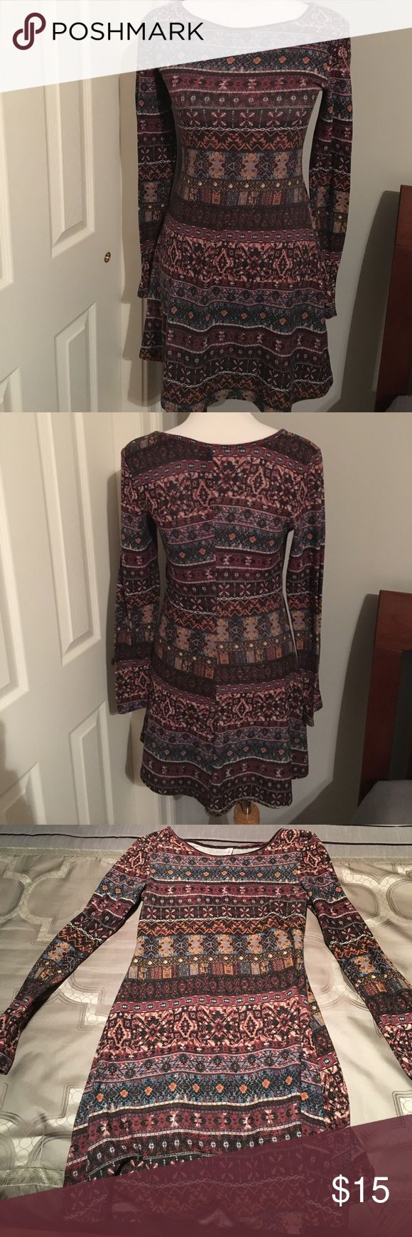 Xhilaration Long Sleeve Aztec Dress Xhilaration long sleeve Aztec pattern dress. Size small. Very gently used. In perfect condition. So soft and flattering on the body. Very true to size. Can easily use for fall, winter, spring, and summer nights. So versatile. Can be easily dressed up or down. 97% polyester 3% spandex Xhilaration Dresses Long Sleeve