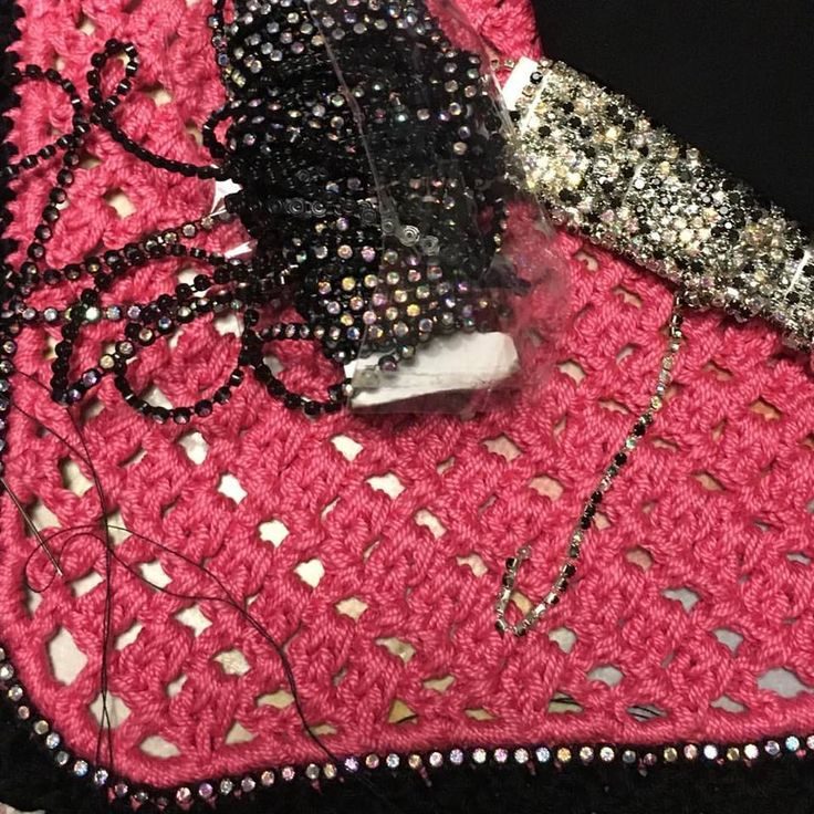 WIP...Horse fly bonnet. Handmade by StregArt #horses #horse #horseflybonnet #fly #bonnet #handmade #crochet #customized #cuffiettacavallo #uncinetto #fattoamano #fattoamanoconamore #cavallo #cavalli #pony #cob #pink #rosa #black #nero #strass #wip #blackandpink