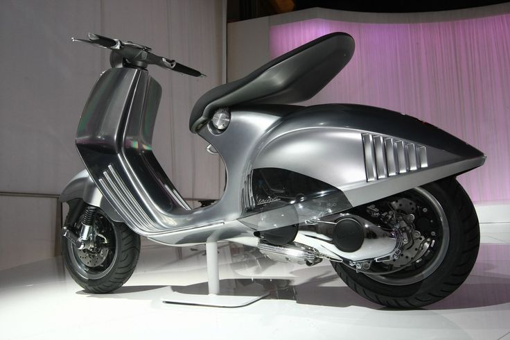 Vespa946 now in production