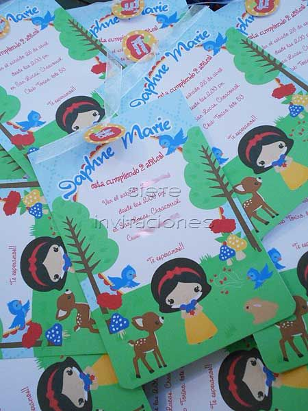 Invitaciones personalizadas para tu fiesta en Guatemala ♥ Snow White party invitation print paper papel impresiones full color papel opalina Blanca Nieves disney inspired enchanted forrest once upon a time siete enanitos seven dwarfs woods bosque animals princess etsy design Guate