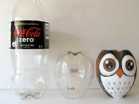 Make an owl from a pop bottle! Faites-un hibou d'un boutaille de boisson gasseuse!