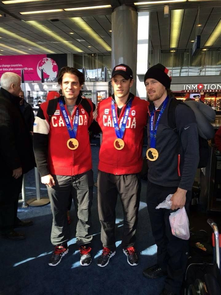 Welcome home, golden boys! Chicago Blackhawks: Pateick Sharp, Jonathan Toews, Duncan Keith