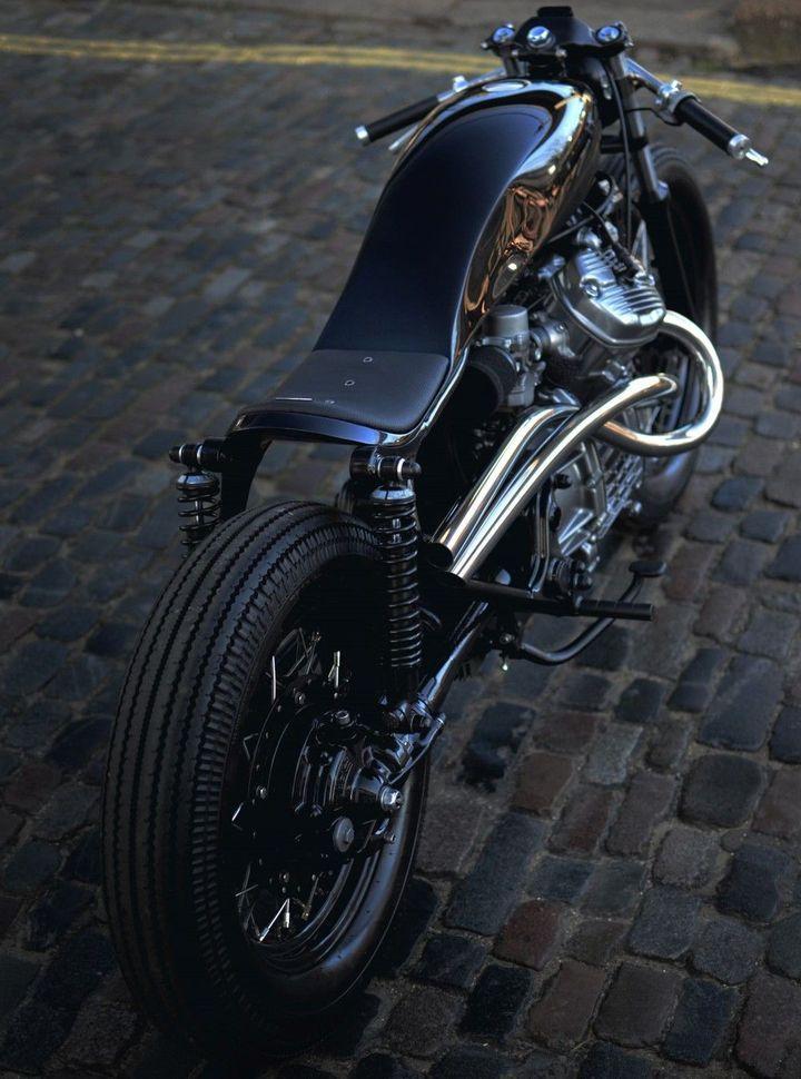 Jewel on wheels. Honda CX500 #CafeRacer by Auto Fabrica. Una moto con la base de una #Honda que te ofrece un diseño elegante y lleno de detalles | caferacerpasion.com
