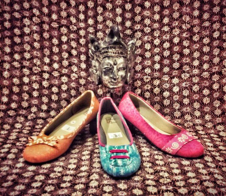 Sepatu batik cantik by Margaria Batik