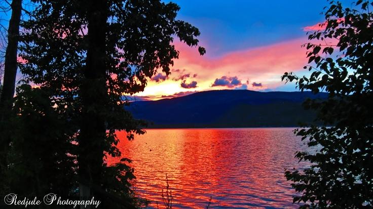 Sunset on Shuswap Lake   British Columbia