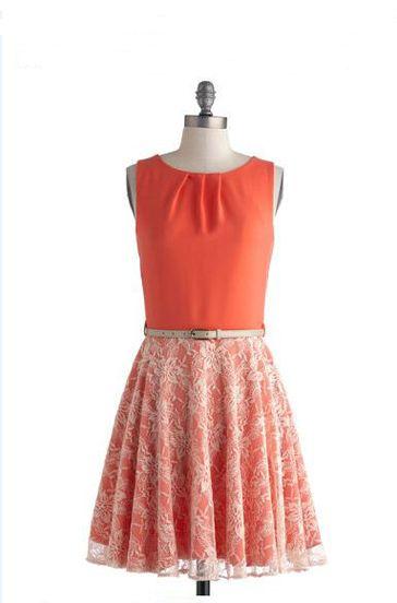 Hoy una entrada veraniega con algunas ideas para alargar un bajo de una falda o vestido corto. Uno de los habituales problemas que encontramos al comprar vestidos o faldas es que nos quedan cortos…