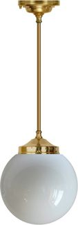 Cafe lampen kan du nu også få der hjemme. Super flot - du bestemmer selv hvor lang den skal være og hvor stor kuppel du skal have. #belysning #design #boligdrøm #boligindretning #indretning #cafedesign #arkitekt #lys #tibberuphoekeren #hoekeren