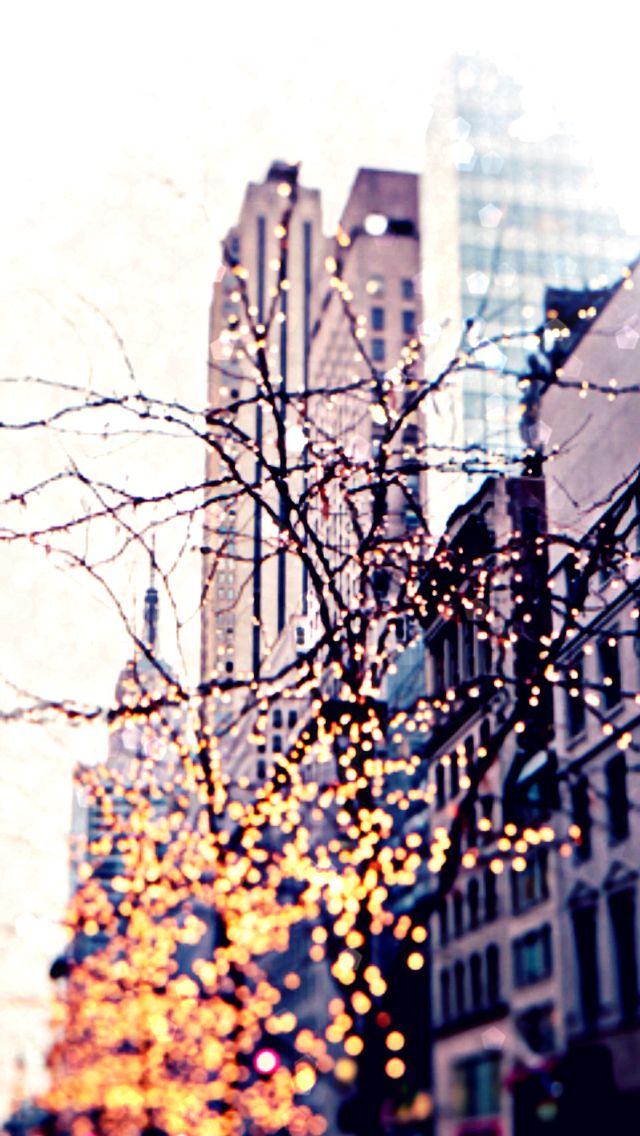 iPhone wallpaper - New York Christmas lights
