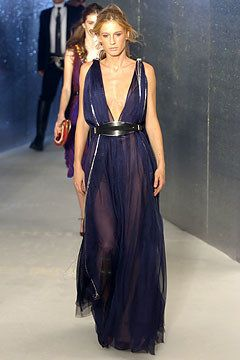 254 best Fendi images on Pinterest | Fashion show, Fall winter and ...