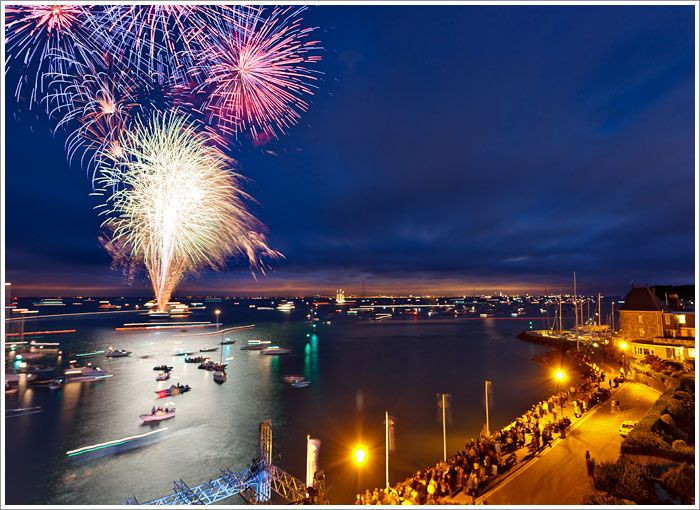 Sails and Stillettos at Cowes Week, Isle of Wight #sailing #sport 1193-Fireworks_Cowes_Week_2011_1235B97C-24E8-5EC4-4F088720DAEFBBF8