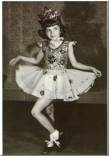 Penny Marshall  (Laverne from Lavenre & Shirley 1970's) in dance school during the 1940s