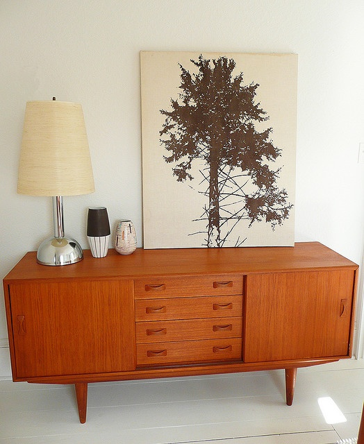 My granny has this sideboard. I'm not going to lie. I have my eye on it.