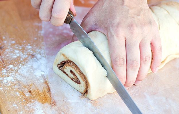 Best Recipe for Homemade Cinnamon Rolls - My mom's beloved recipe comes with photos and instructions. #DIYReady