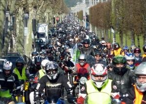 90,000+ angry bikers bring France to a halt in demand for new road safety policy