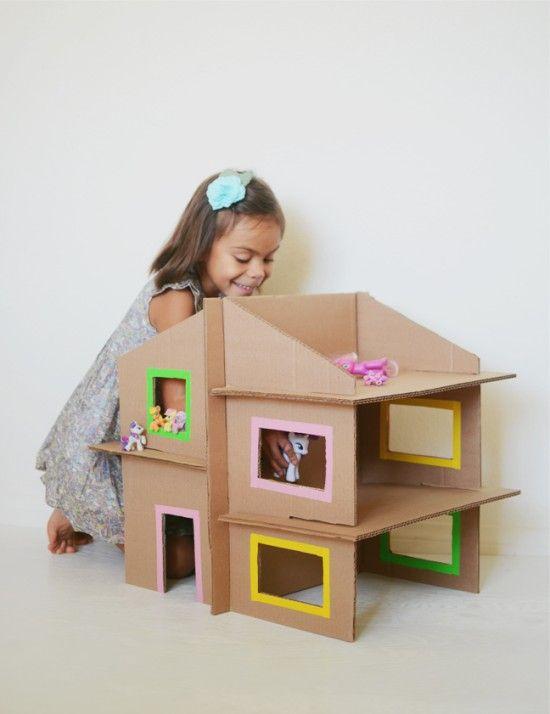 Домик для кукол из картонной коробки