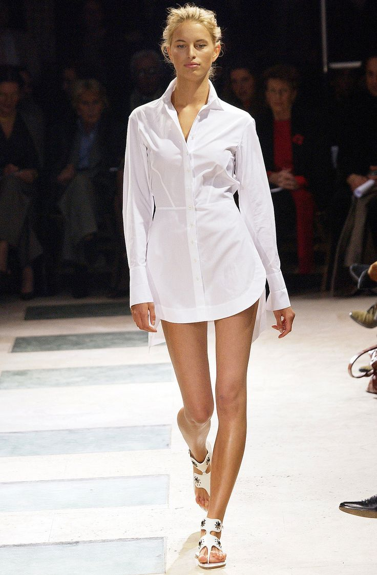 Karolina Kurkova at Azzedine Alaia Haute Couture S/S 2003