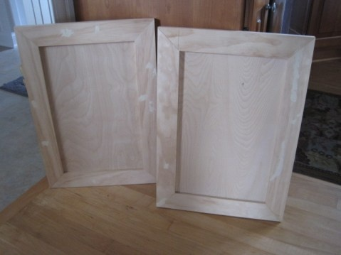 Pretty in pink post 3 pocket hole cabinet doors doors for Building kitchen cabinets with kreg jig