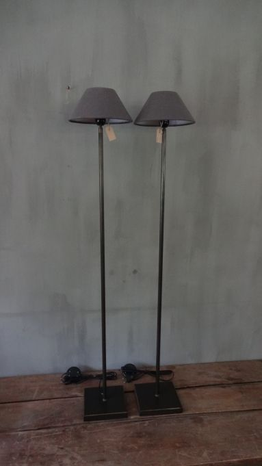 STAANDE LAMP - heel eenvoudig en daarom tijdloos mooi