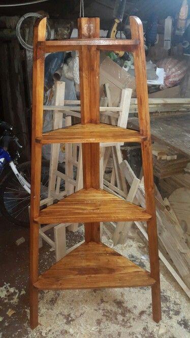Esquinero de madera reciclada...