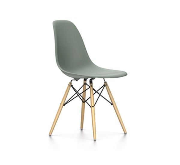 Eames Plastic Side Chair Dsw Is One Of The Most Famous Chairs By Charles Ray Eames For Vitra The Wood Base Is In Yello Side Chairs Eames Plastic Chair Eames