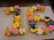 Beautiful cupcakes create a birthday cake, e.g. for sixteenth how to arrange the cupcakes