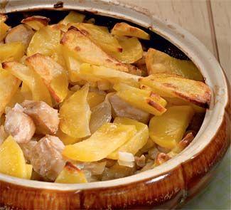 Рыба с картофелем,  запеченная в духовке