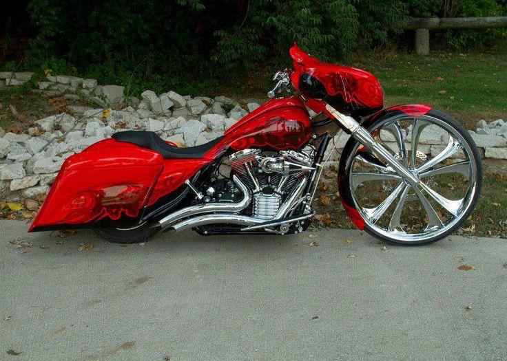 Custom Harley Davidson Bagger.  Nice work!