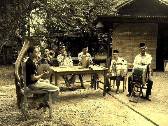 TANJIDOR - Did You Know?  http://www.jakarta-tourism.go.id/node/45