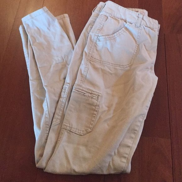 skinny kakis justice kakis that are perfect for work or any outfit. can't even tell they are Justice brand , great quality ! Justice Pants Skinny