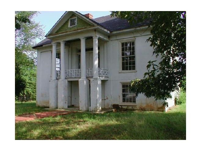 Abandoned antebellum house forgotten pinterest for Home builders in south alabama
