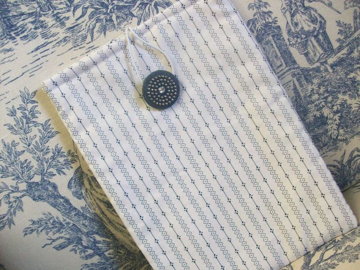 Kindle Kobo Ereader Sleeve Case, Off White, Navy, Shirtings fabric, small print, vintage button by brenniequilts on Etsy